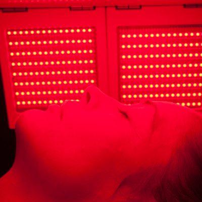 Φωτοδυναμική Θεραπεία Αντιγήρανσης με LED- RED light